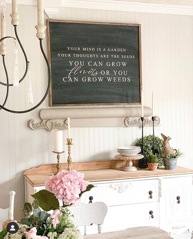 farmhouse wall decor in the dinning room