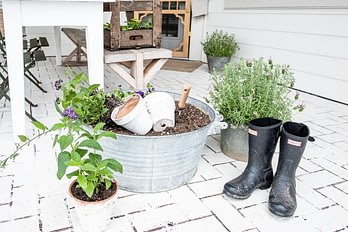 Outdoor-living-spaces hunter boots