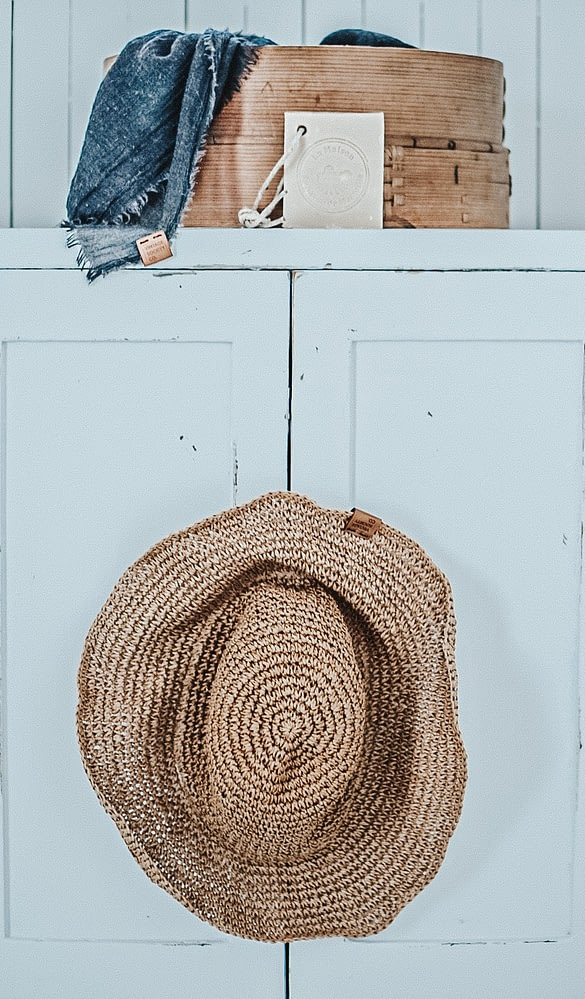 sifter package hanging hat