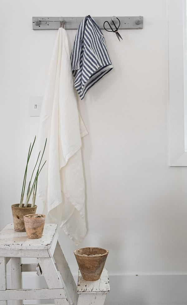 White Linen towel